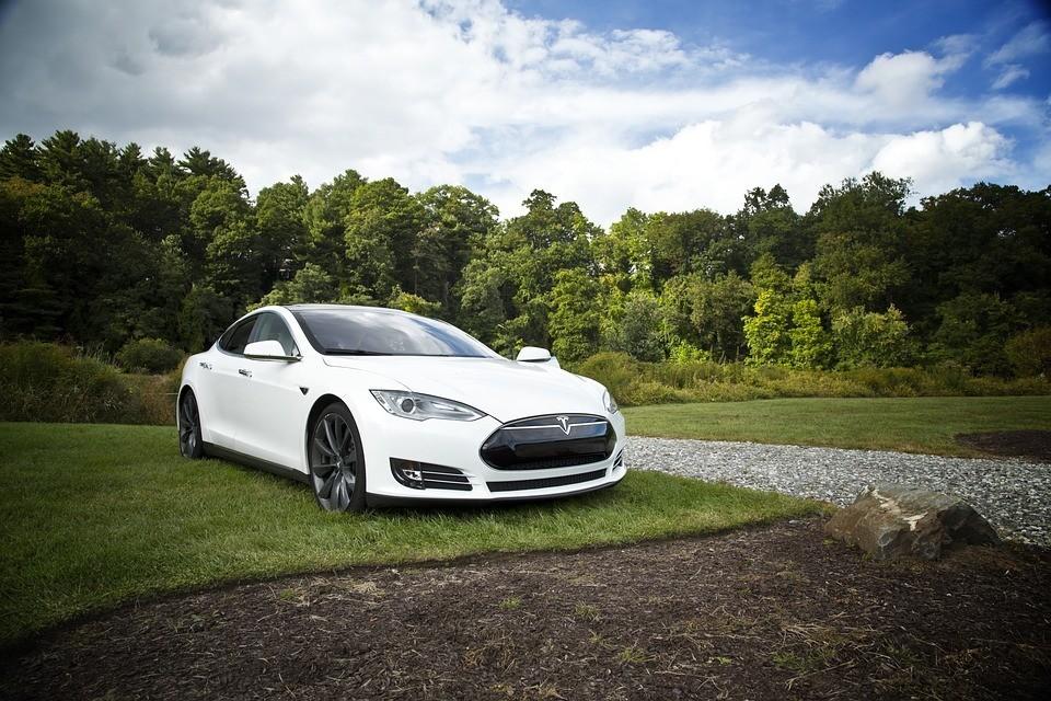 Tesla Motors, czyli jazda na prąd